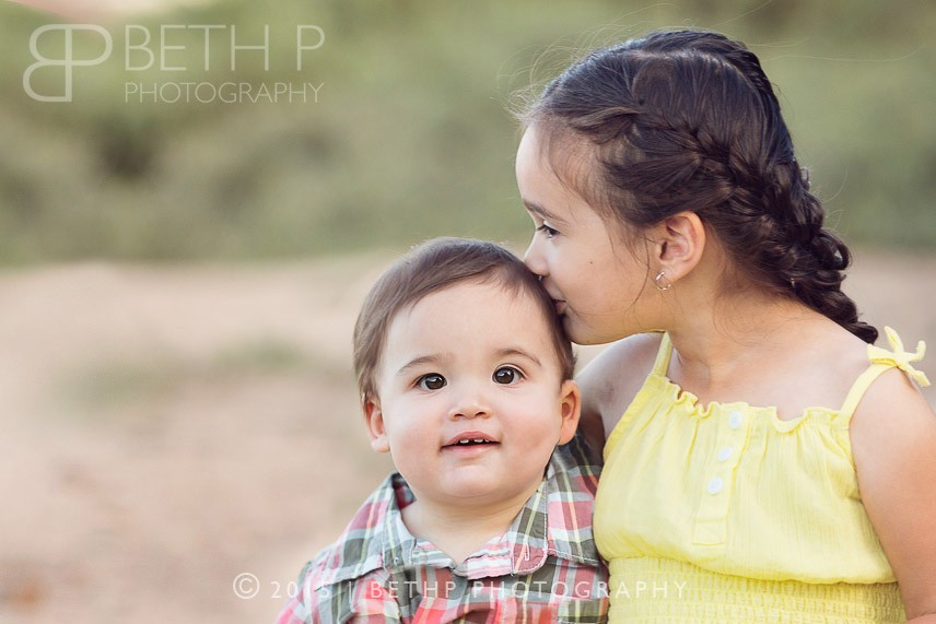 6-Kiss-Menifee-family-photographer-brother-sister-2