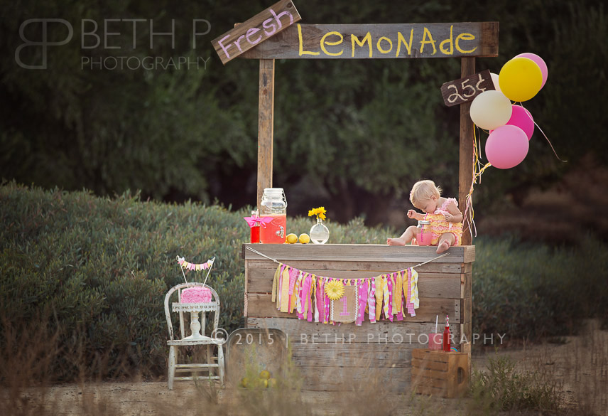 2-Best-Temecula-baby-photography-Lemonade-Stand-3