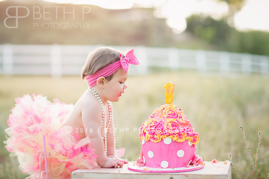 5-Murrieta-photographer-smash-cake-tutu